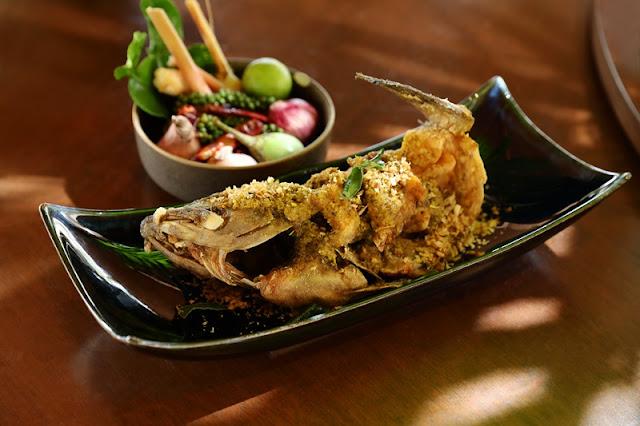 Southern Thai Food - Pak Tai PLA KAPONG DANG TOD KAMIN - Crispy Fried Fish