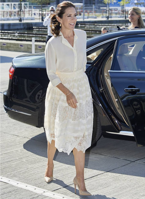Crown Princess Mary attended the opening of 'Copenhagen Fashion Summit 2016' at the Copenhagen Concert Hall. Crown Princess Mary wore H&M Lace Skirt, Naledi Allana Clutch, Prada Pumps
