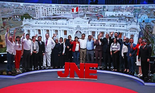 Primer debate de candidatos al Congreso organizado por el JNE