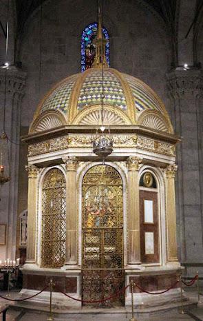 A capelinha do Volto Santo na catedral de Lucca