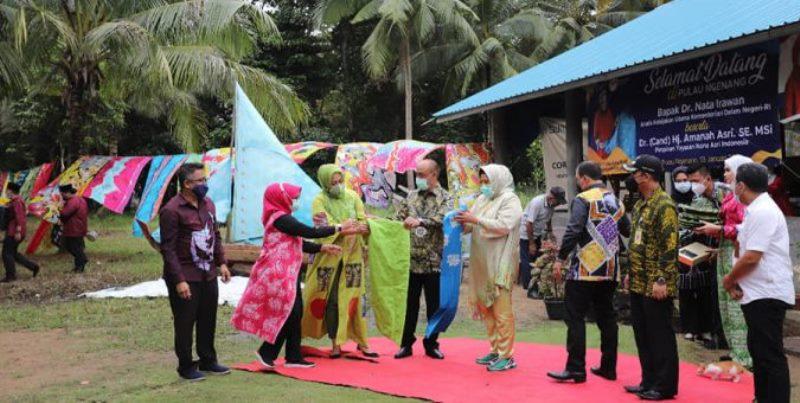 Kenalkan Budaya, Ketua Dekranasda Minta Disbudpar Kembangkan  Homestay di Pulau Ngenang