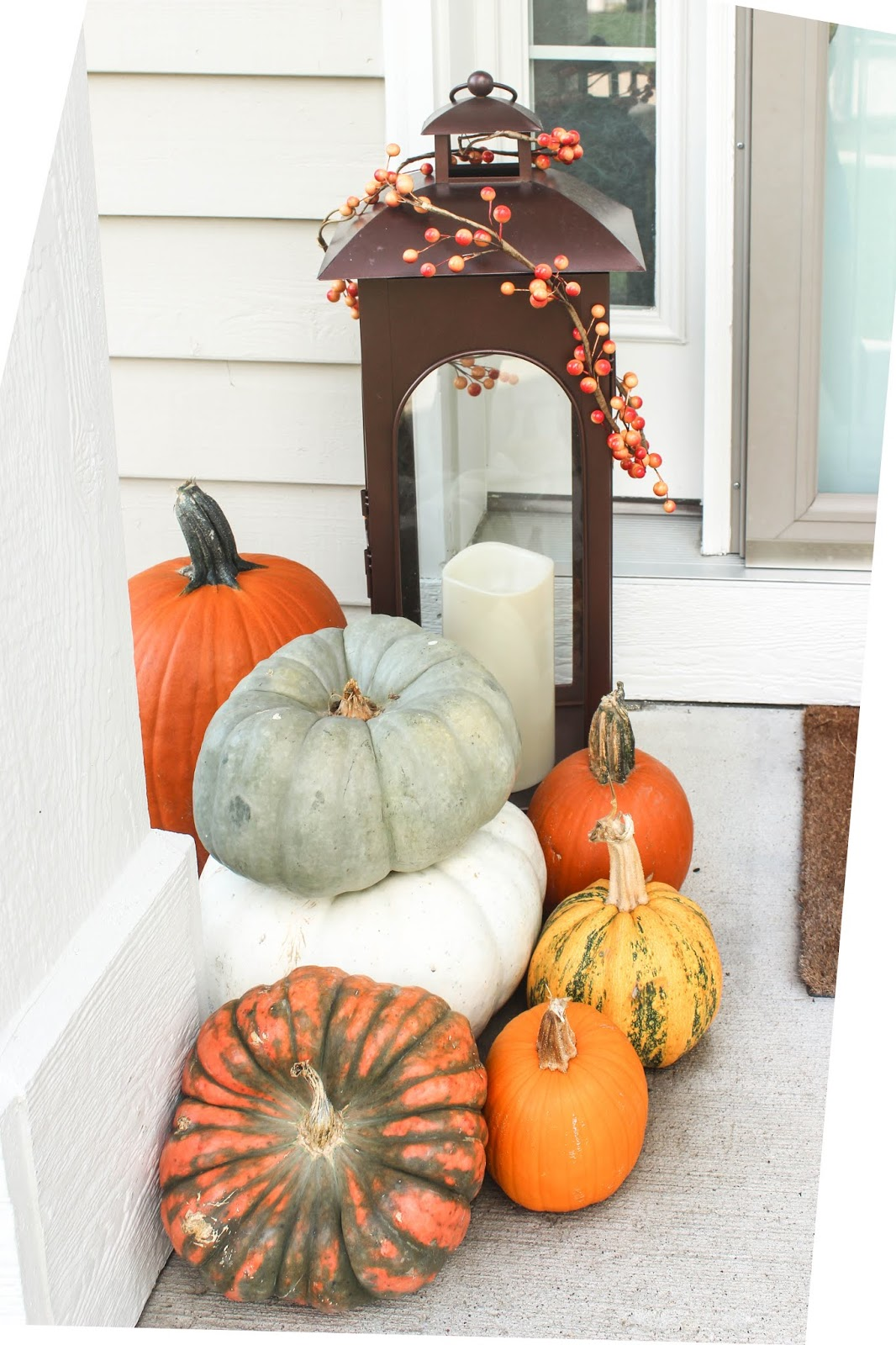 fall lantern decor idea