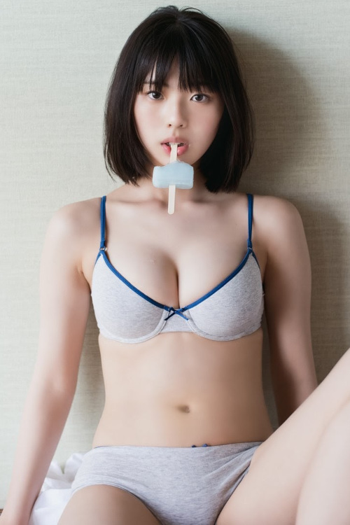 Hina Kikuchi 菊地姫奈, Shonen Magazine 2021 No.45 (週刊少年マガジン 2021年45号)