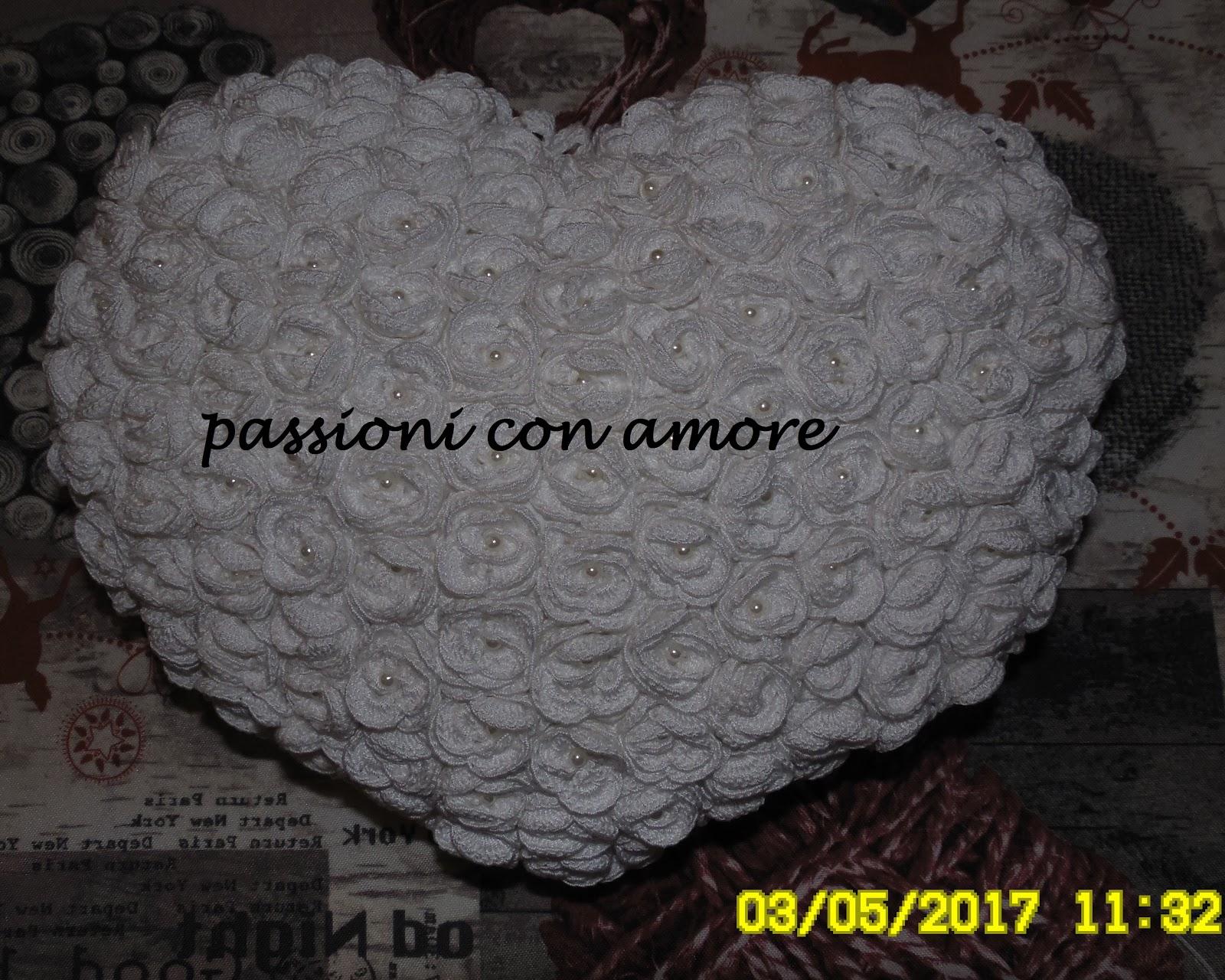 Passioni Con Amore Cuscino Portafedi A Forma Di Cuore All Uncinetto Con Rose