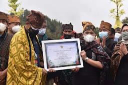Menparekraf Berikan Penghargaan 50 Desa Wisata Terbaik untuk Ranupani Lumajang