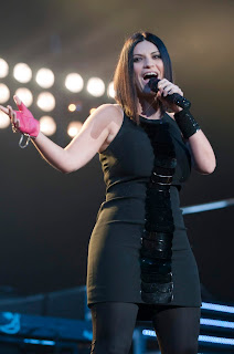 Noemi's career has been encouraged by Laura Pausini, one of Italy's top stars