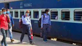 दूसरे राज्यों में फंसे प्रवासी मजदूरों के लिए चलेंगी ट्रेनें, गृह मंत्रालय ने दी अनुमति