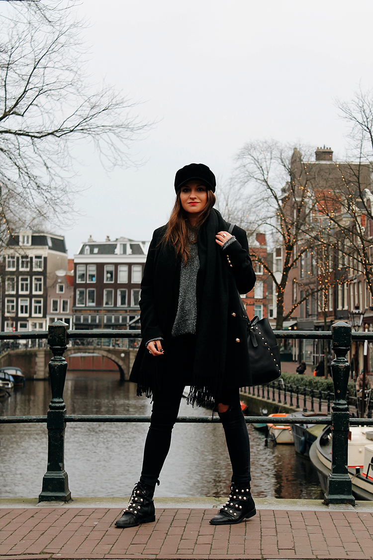 Total black look Amsterdam