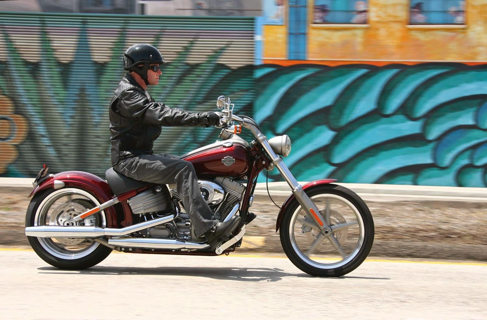 Harley davidson softail service repair manual.