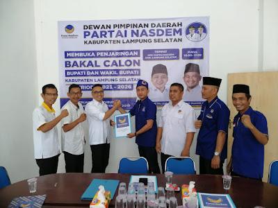 Tony Eka Candra Ambil Berkas Bakal Calon Bupati Lampung Selatan