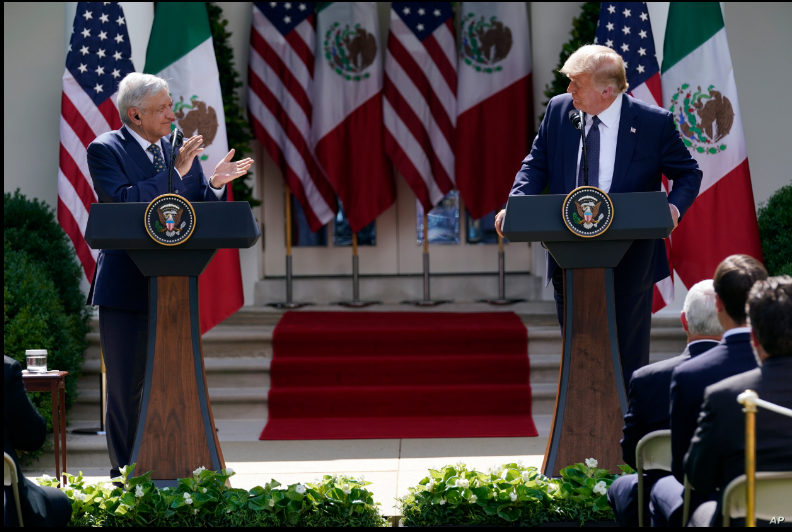 El presidente de EE.UU., Donald Trump, y su homólogo mexicano, Andrés Manuel López Obrador, durante su comparecencia conjunta celebrada en los jardines de la Casa Blanca / AP