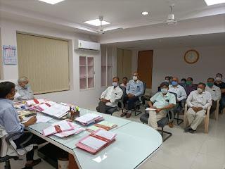 कलेक्टर ने ली जिला चिकित्सालय के चिकित्सकों के साथ बैठक दिए आवश्यक दिशा निर्देश