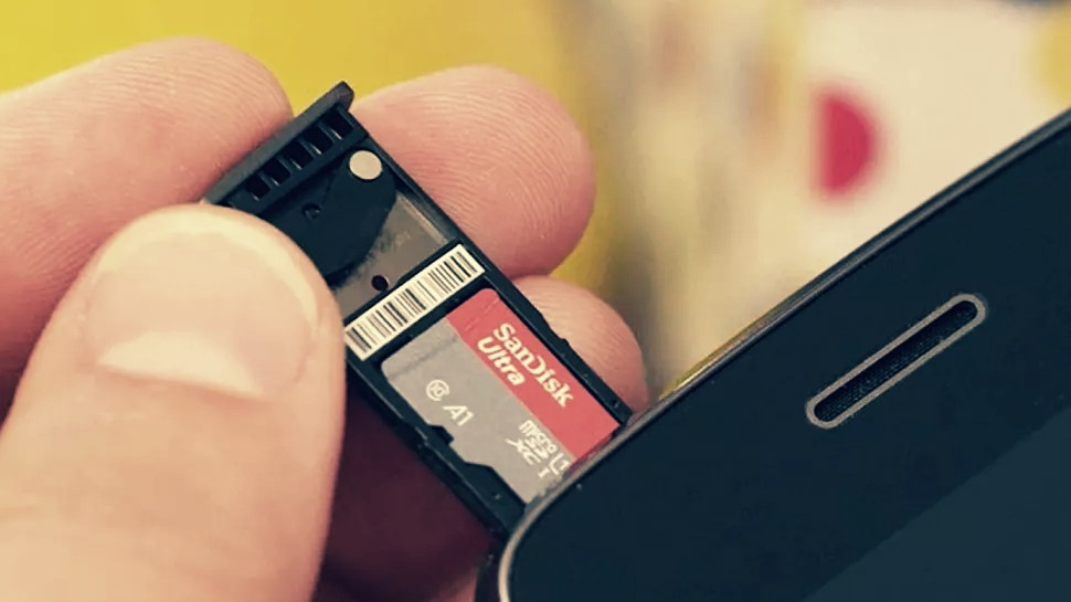 This cheap 1TB microSD memory card underlines an enormous failure within the storage industry
