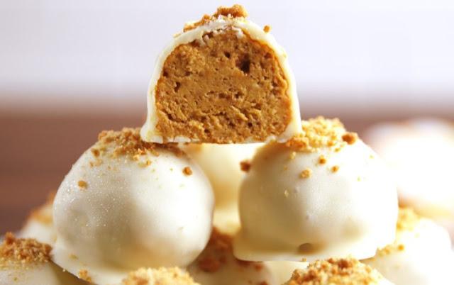 Pumpkin Cheesecake Balls #desserts #pumpkin