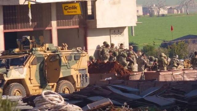 Συριακές και τουρκικές δυνάμεις ξεκίνησαν τις επιθέσεις στην Σαρακέμπ