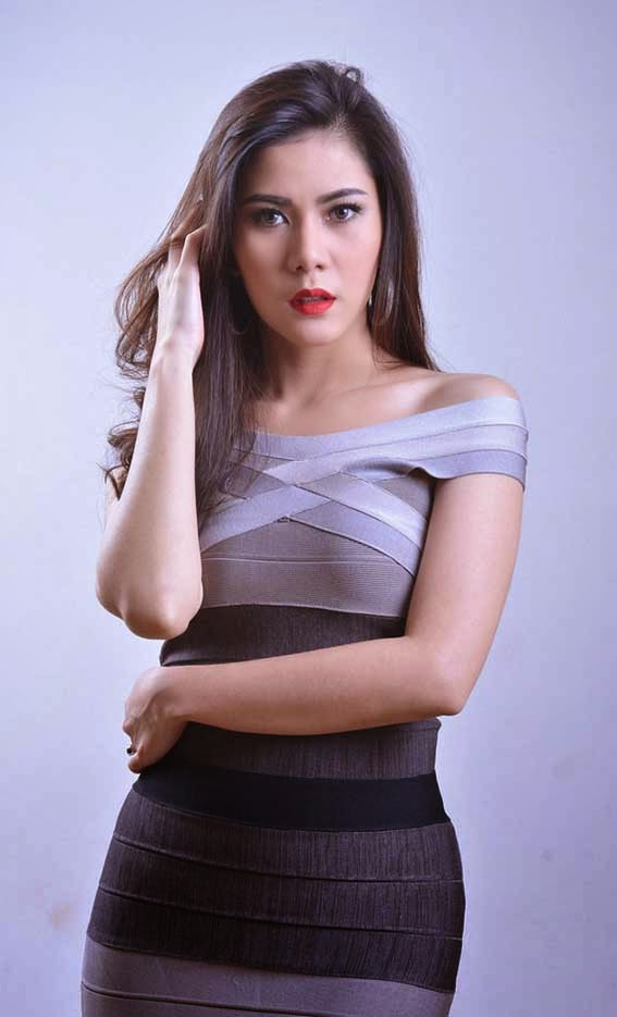 """Foto cantik Uni Lisa Lenong Rempong"""