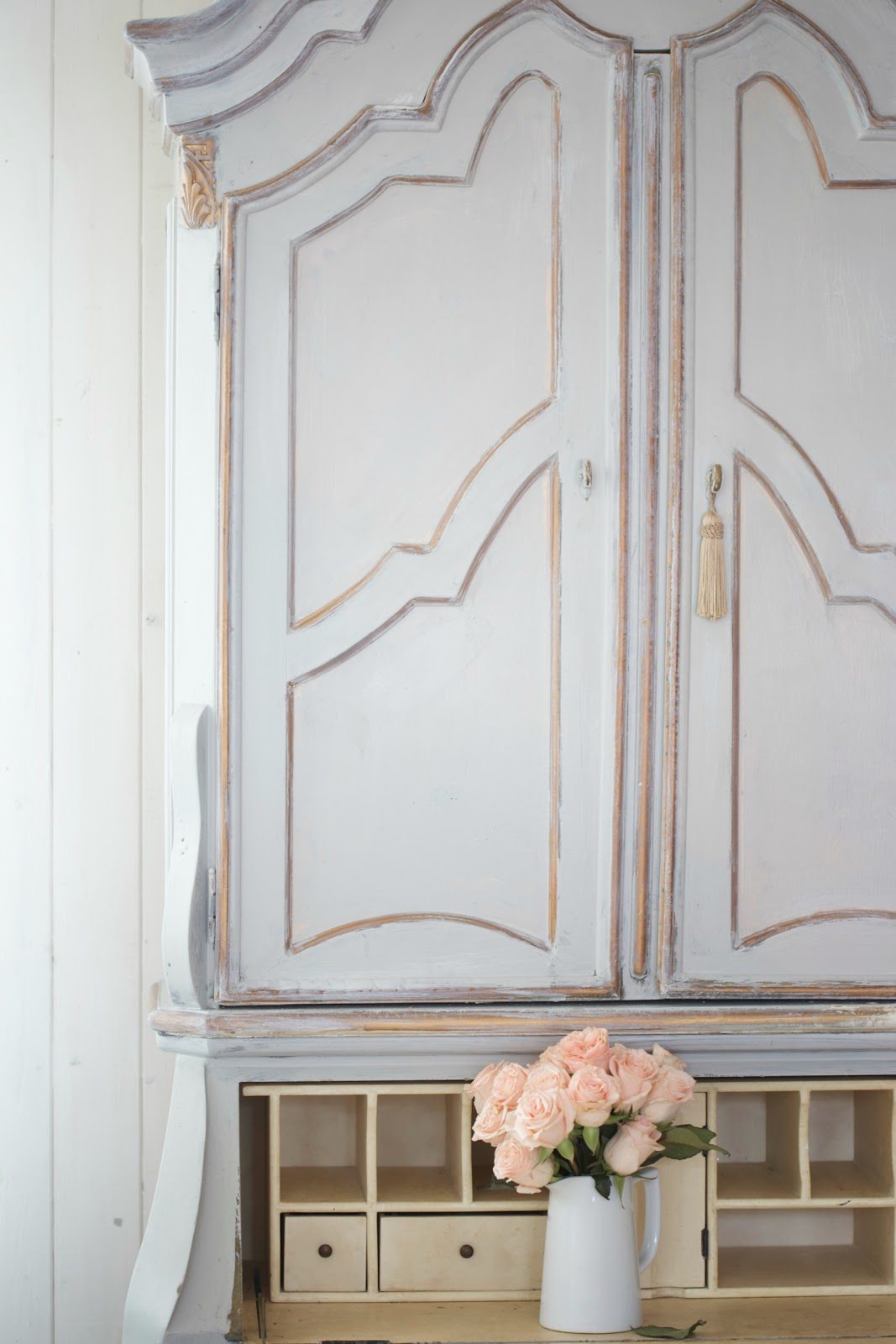 Painted cupboard makeover french country friday french for Painting with a twist cedar hill tx
