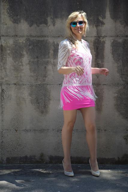 mariafelicia magno outfit frange come abbinare le frange outfit fucsia come abbinare il fucsia