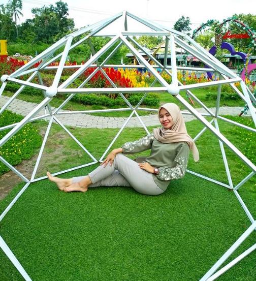 wisata populer jogja Alamanda Flower Garden