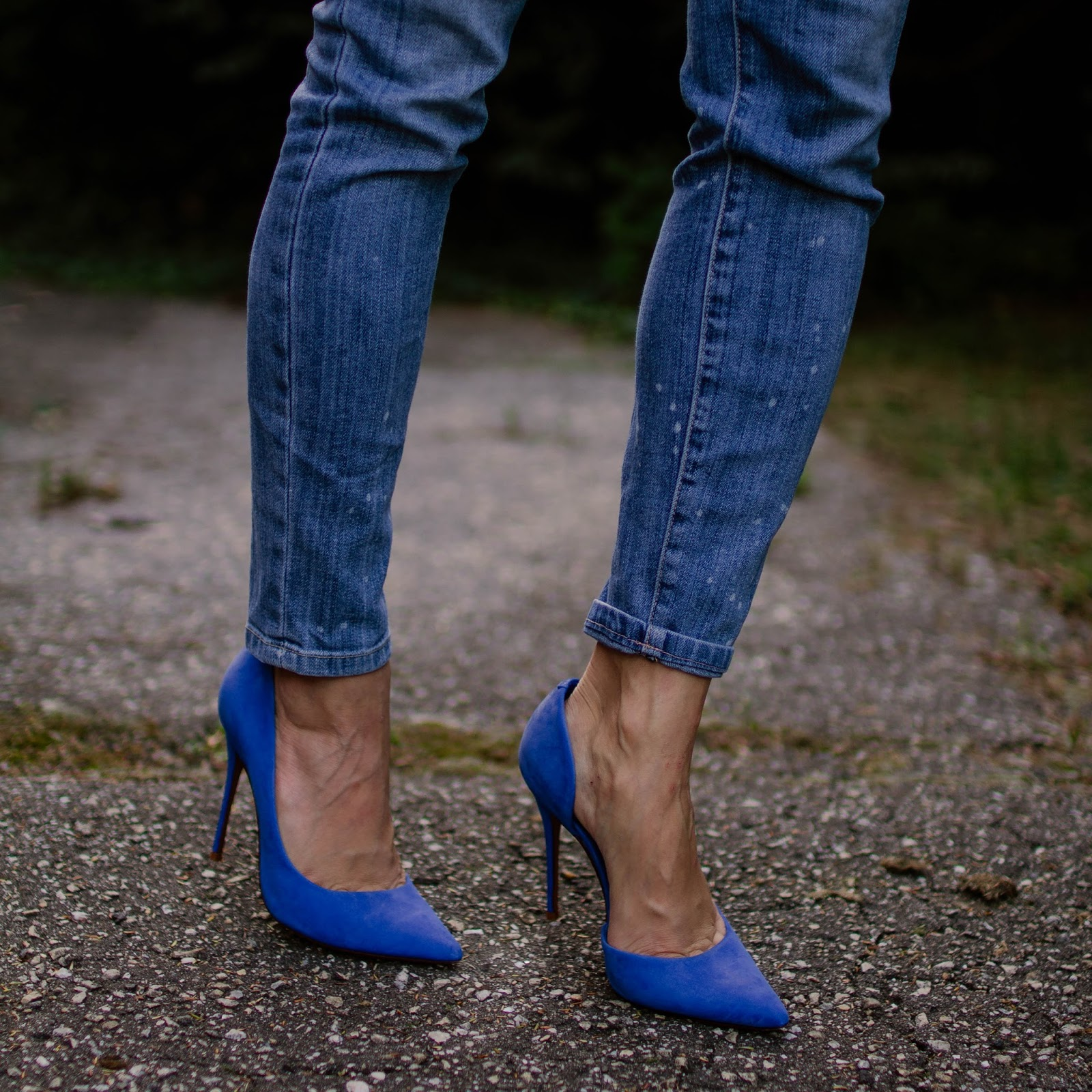 dorsay-blue-pump-blue-suede-shoes