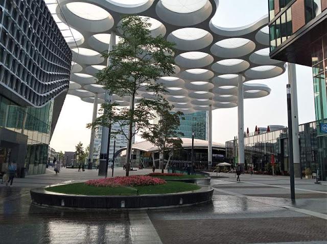 piazza davanti stazione utrecht