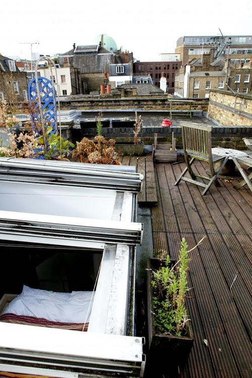 08-1st-Floor-Studio-Mews-Apartment-Camden-London-UK-Skylight-Roof-Terrace-Garden
