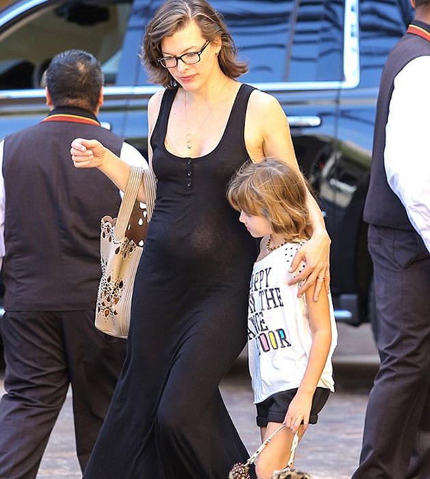 Milla Jovovich însărcinată cu al doilea copil