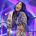 Sasha Banks esteve nos bastidores do SmackDown desta semana