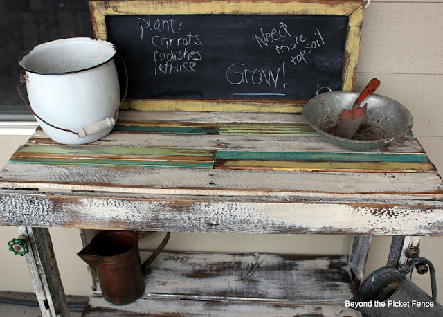 Make a potting bench from discarded pallets
