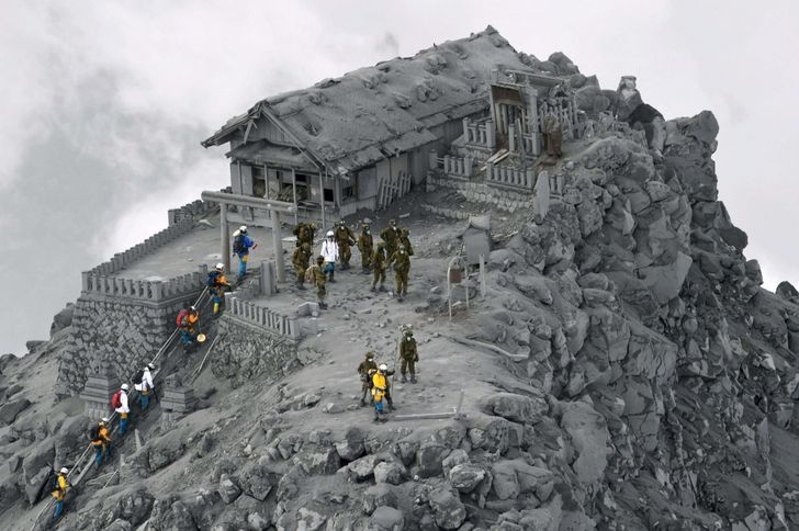 emple covered in ash from the Ontake volcanic eruption