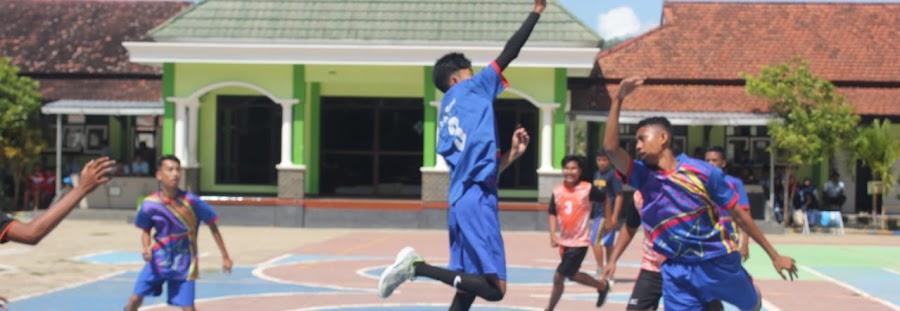 Lomba bola basket antar kelas