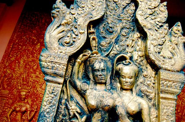 bowdywanders.com Singapore Travel Blog Philippines Photo :: Cambodia :: The Best Sight To See in Cambodia: Wat Phnom in Phnom Penh