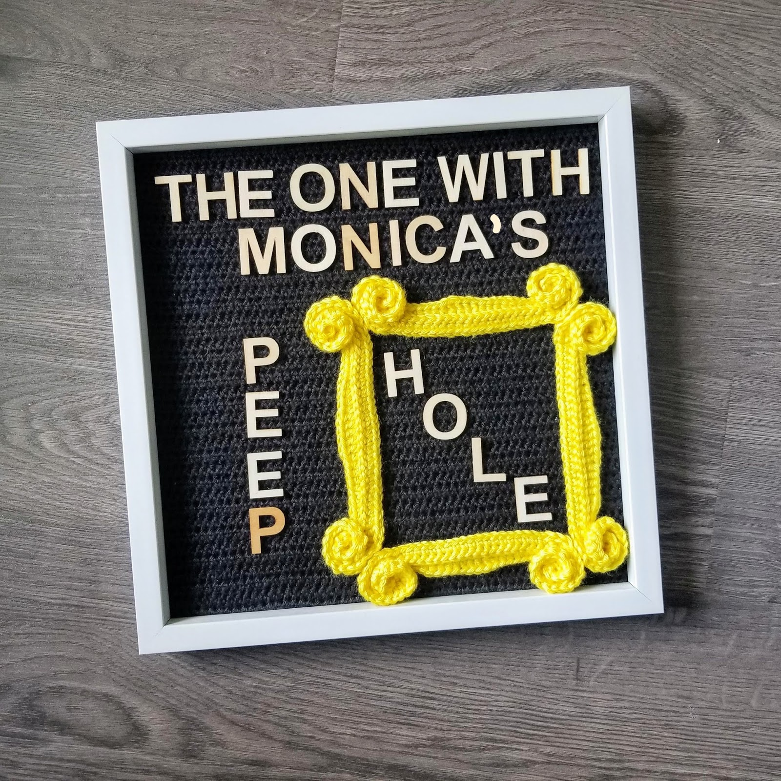 The One with Monica's Peephole Frame FREE Crochet Pattern