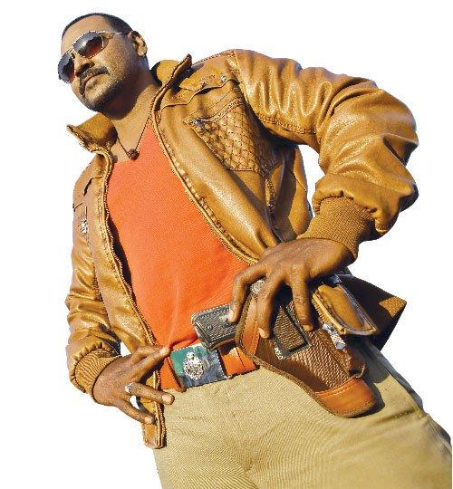 Motta Siva Ketta Siva First Look Raghava Lawrence Looks: Motta Shiva Ketta Shiva Tamil Movie HD First Look Poster