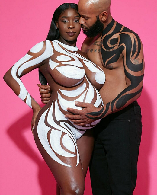 Viral-couples-nude-maternity-shoot-3