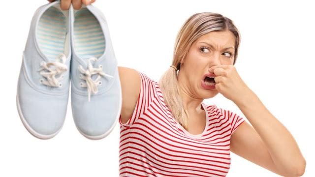 Como se livrar do chulé nos calçados