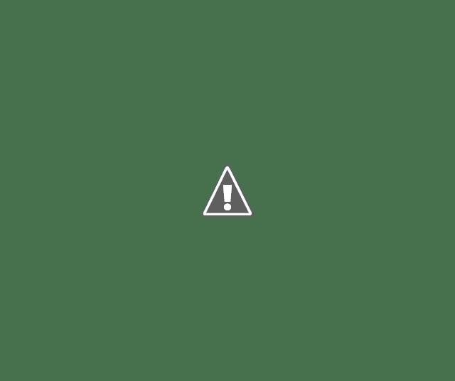 Vendedor de tapioca na praia no carrinho artesanal