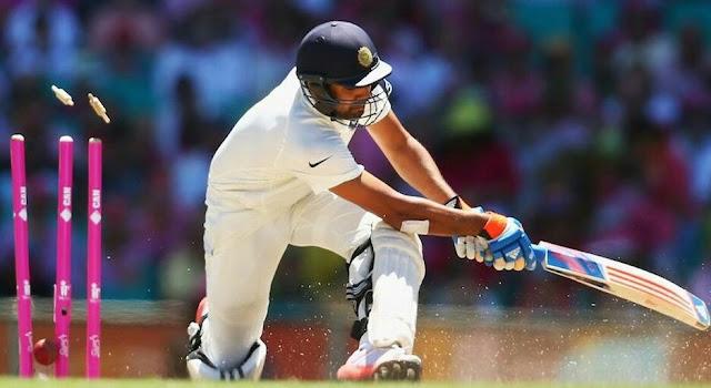 रोहित शर्मा दक्षिण अफ्रीका के खिलाफ अभ्यास मैच में महज दो गेंद खेलने के बाद  वर्नोन फिलैंडर की गेंद पर शून्य पर आउट होकर पवेलियन  लौट गए