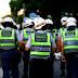 BOLSONARO ASSINA PLN QUE PERMITE REAJUSTE DE POLICIAIS E BOMBEIROS