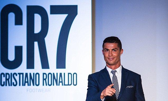Cristiano presentó en Portugal su marca CR7 Footwear