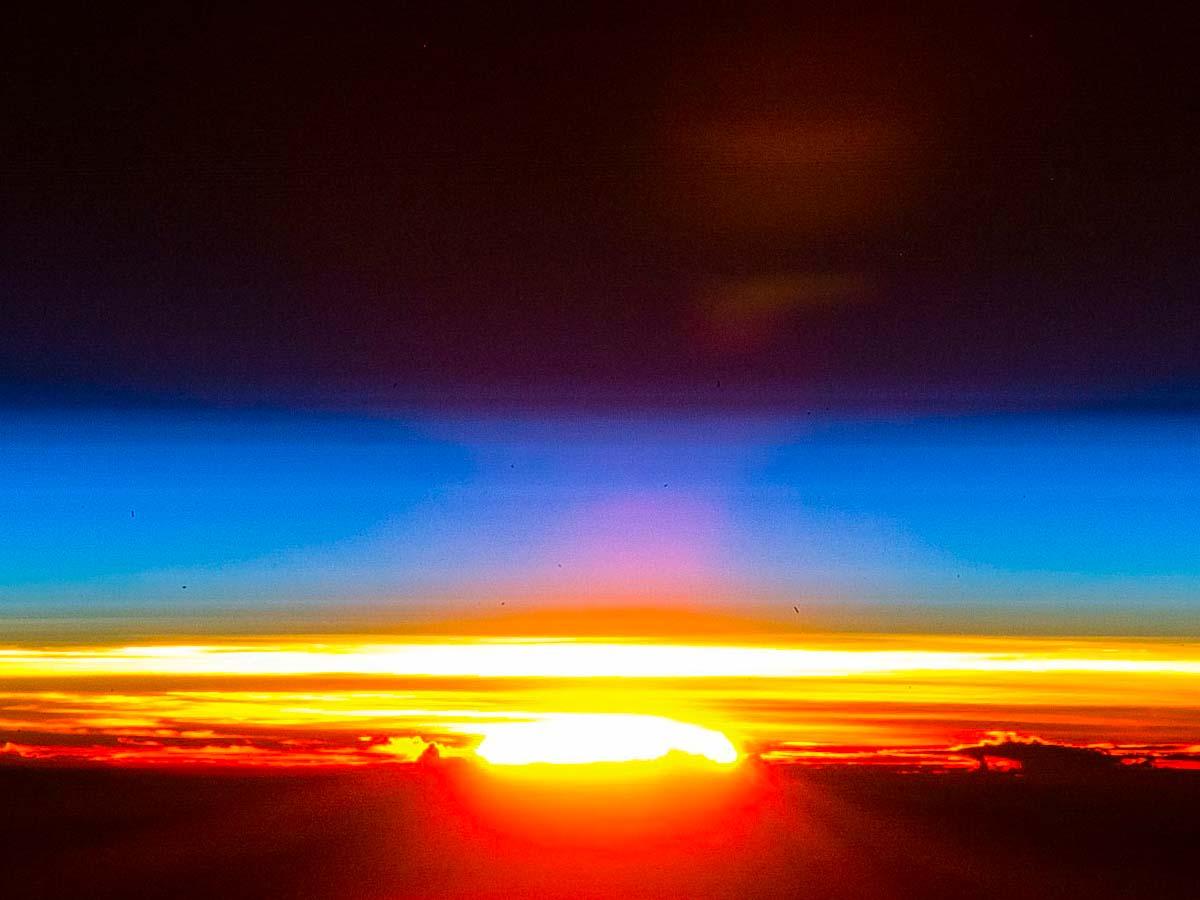 Nascer do sol visto desde a estação espacial