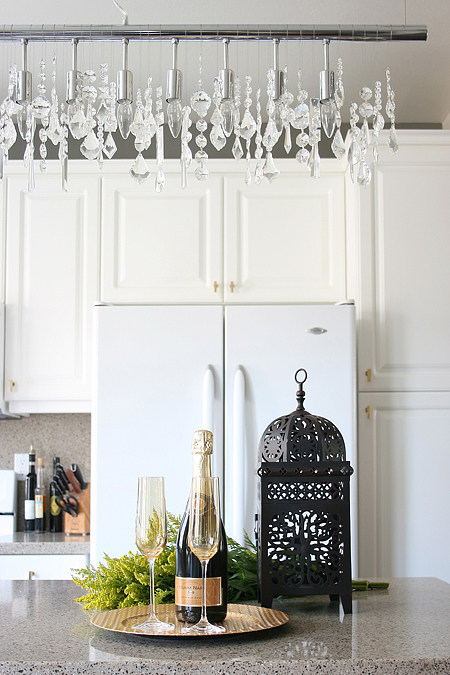 Design obsession: linear crystal chandeliers that look stunning in a kitchen or dining room. | via monicawantsit.com