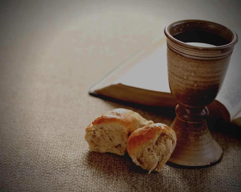 bread-holly-wine