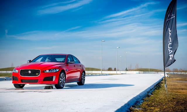Jaguar XE 2019 ofrece 300 caballos de fuerza