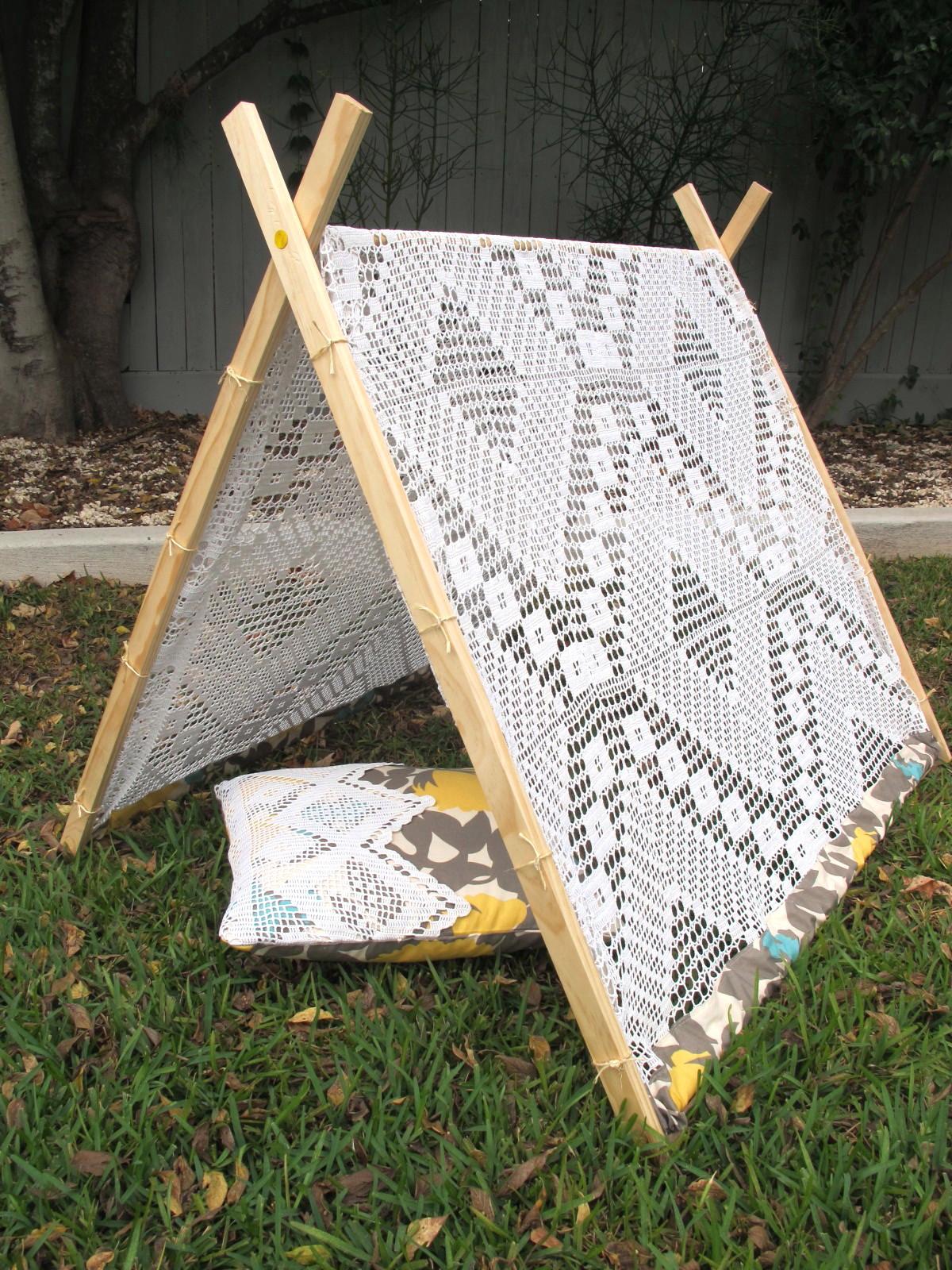 Christie Chase 547 Vintage Crochet Tent