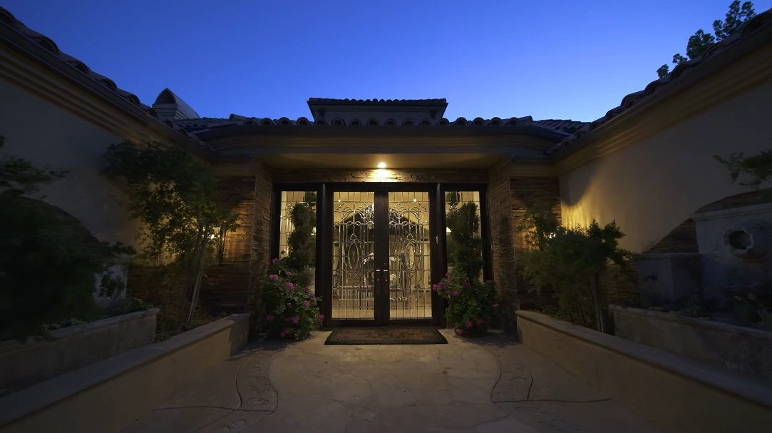 39 Interior Design Photos vs. 2323 Worthing Ln, Los Angeles, CA Luxury Mansion Tour