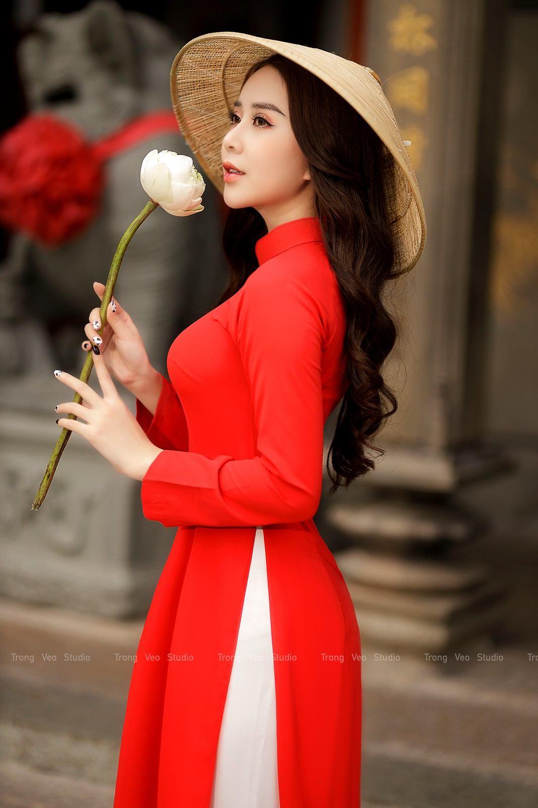 Ngắm hot girl Lục Anh xinh đẹp như hoa không sao tả xiết trong tà áo dài truyền thống - 9