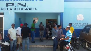 Resultado de imagen para Policia en Villa Altagracia