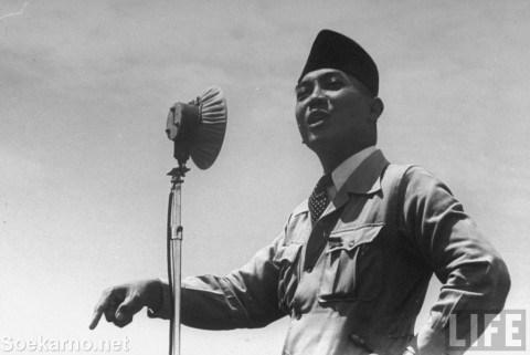 Perintah pertama Soekarno setelah dilantik jadi presiden, isinya nyeleneh