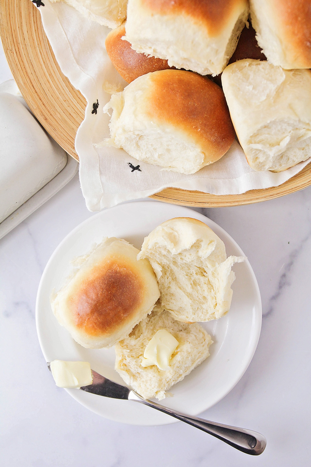 These light and soft pull-apart rolls are so delicious, and easy to make, too! They're the perfect dinner roll!